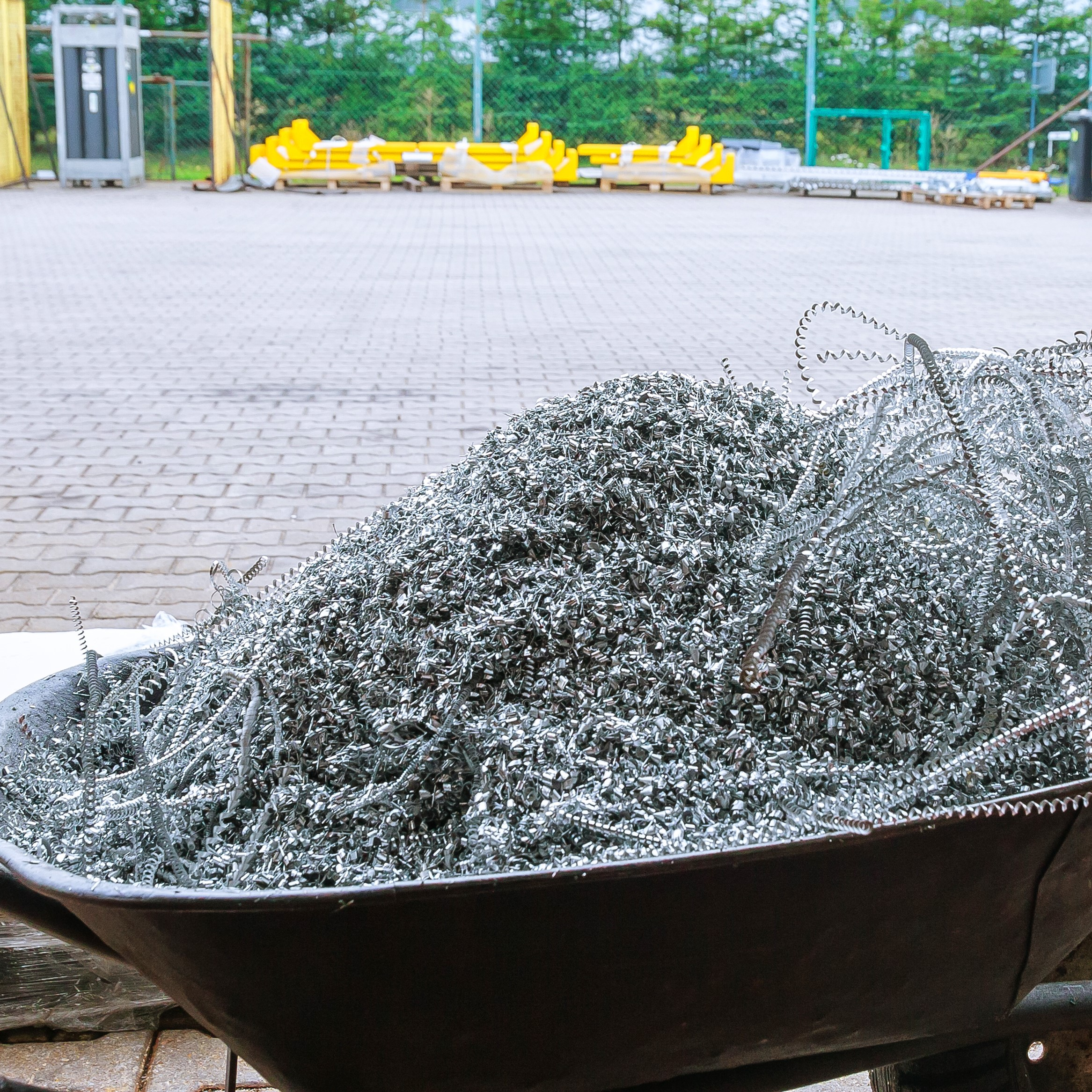 Видобуток при різанні алюмінію